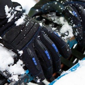 Dirty Rigger SubZero Cold Weather Glove (Lifestyle 2)