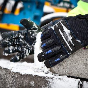 Dirty Rigger SubZero Cold Weather Glove (Lifestyle 3)